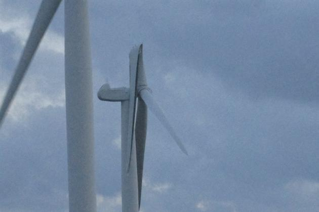 Wind turbine blade bent back